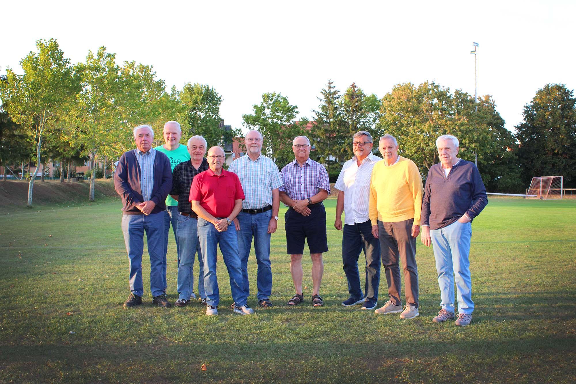Oldies TuS Hochheim Worms, Ulrich Almeling, Karl-Dieter Jung, Rolf Löb, Josef Finger, Willi Hellwig, Bernd Rauh, Ernst Gräber, Volker Radtke, Helmut Schärf (v.l.n.r.)
