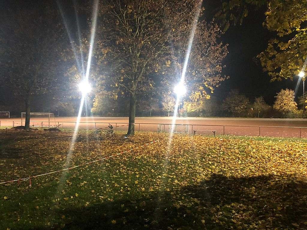 Flutlichtanlage bei TuS Hochheim